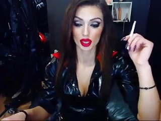 Sexy Dom In Latex Smoking On Cam