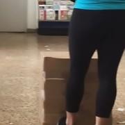 Leggings bend over
