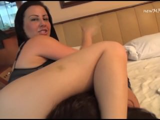 phat bbw pussy on girls mouth