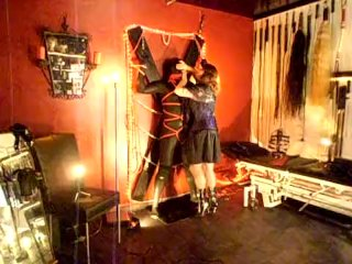 Lady Kane & slave (nr1)